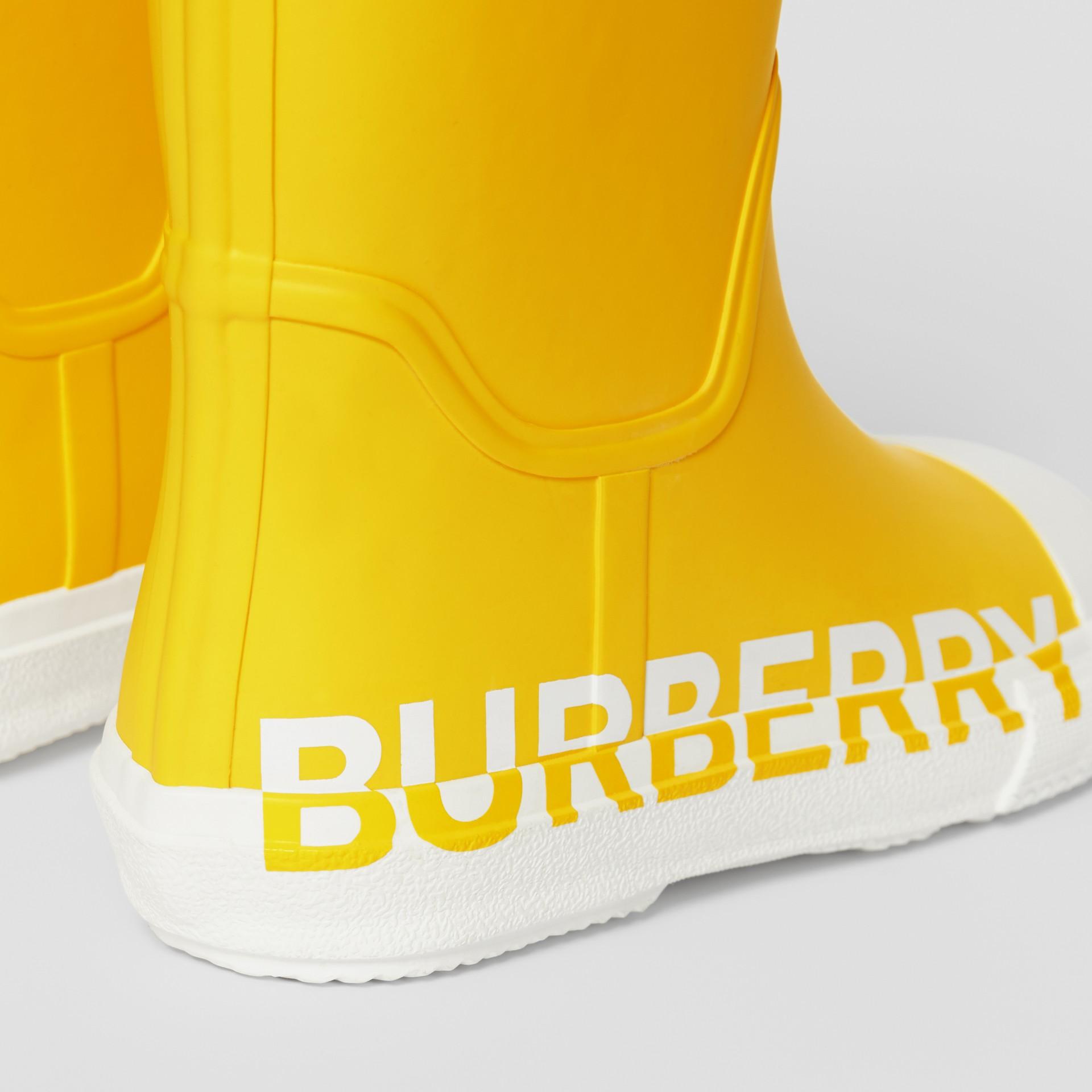 Двухцветные резиновые сапоги с логотипом (Канареечно-желтый) - Для детей | Burberry - изображение 1