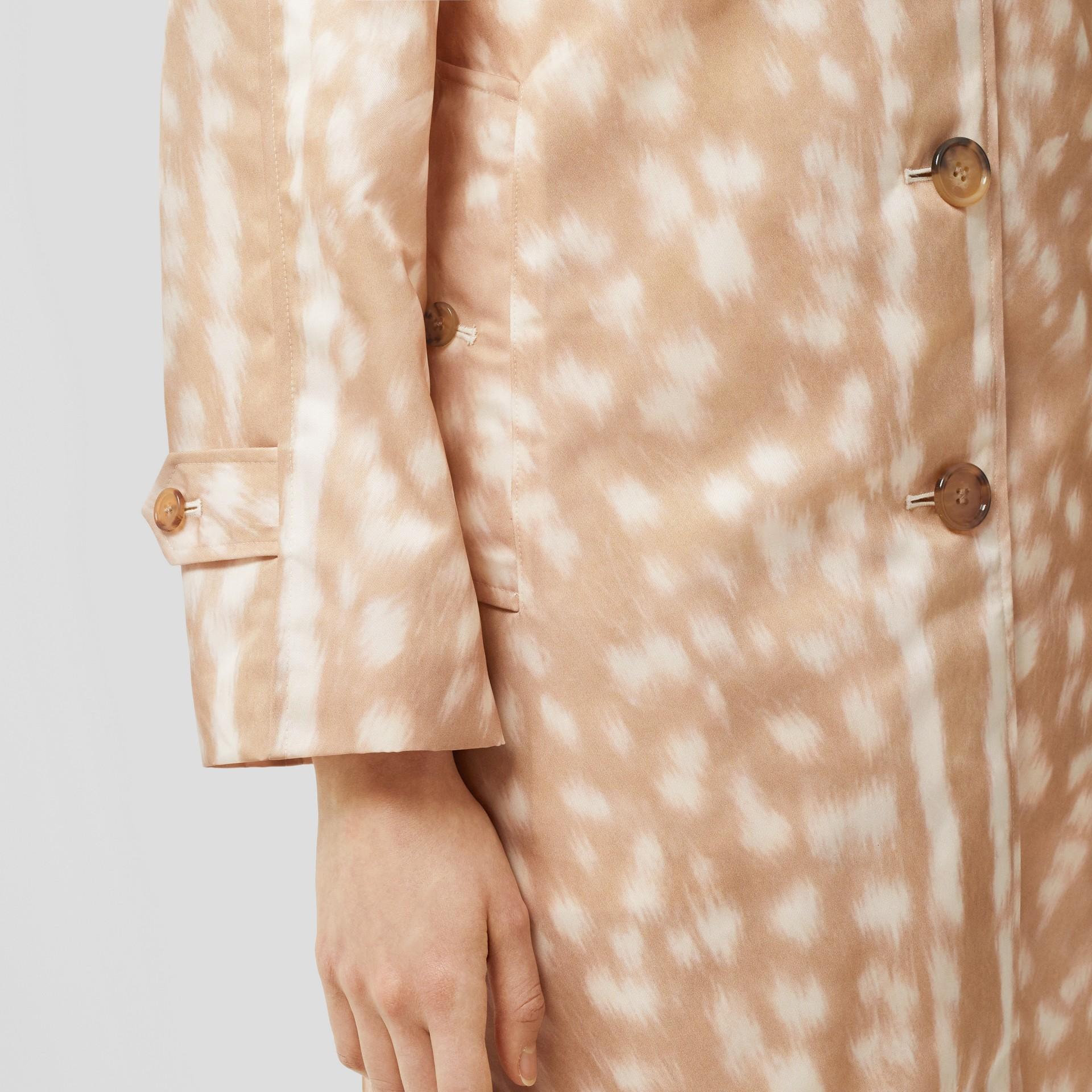 Deer Print Nylon Car Coat in Soft Fawn - Women | Burberry United Kingdom - gallery image 4