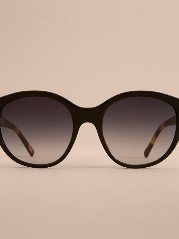 Buckle Detail Round Frame Sunglasses in Black - Women | Burberry Australia - cell image 2