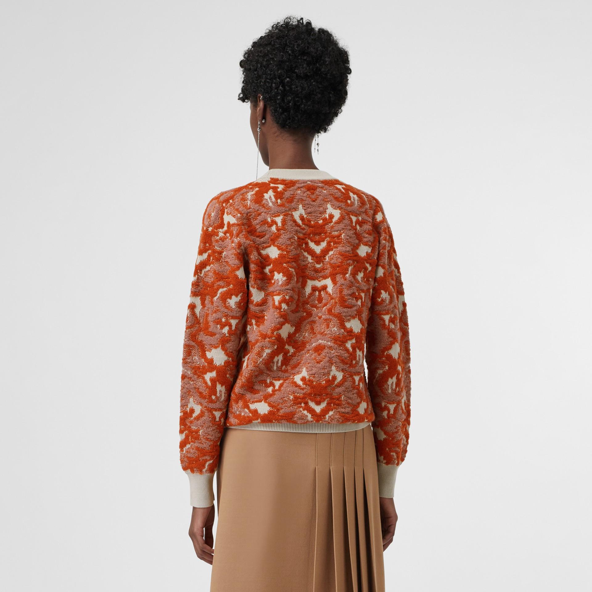 ダマスクウール シルクジャカード セーター (ピンクアゼリア) - ウィメンズ | バーバリー - ギャラリーイメージ 2