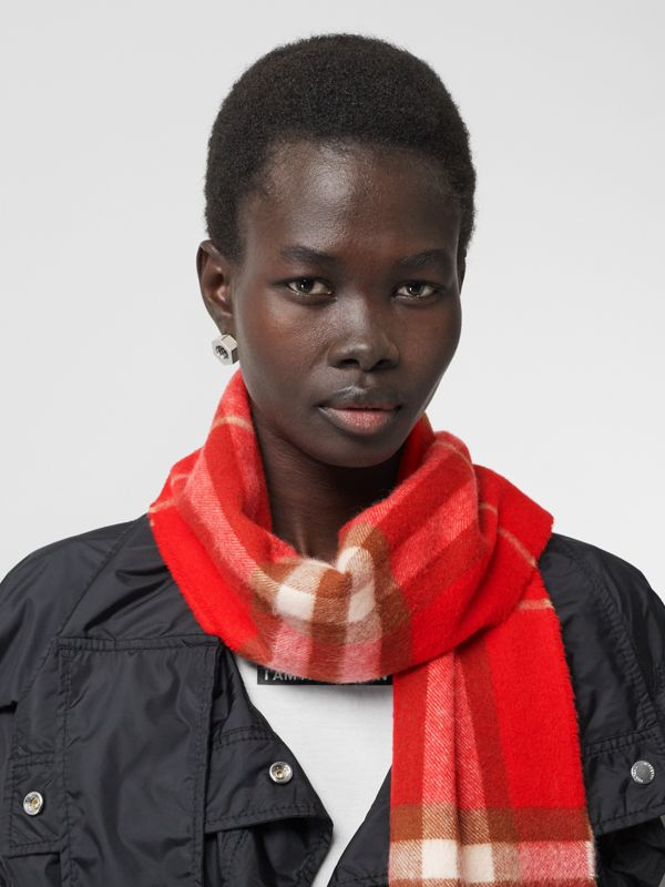 The Classic Check Cashmere Scarf in Red | Burberry Hong Kong S.A.R - cell image 2