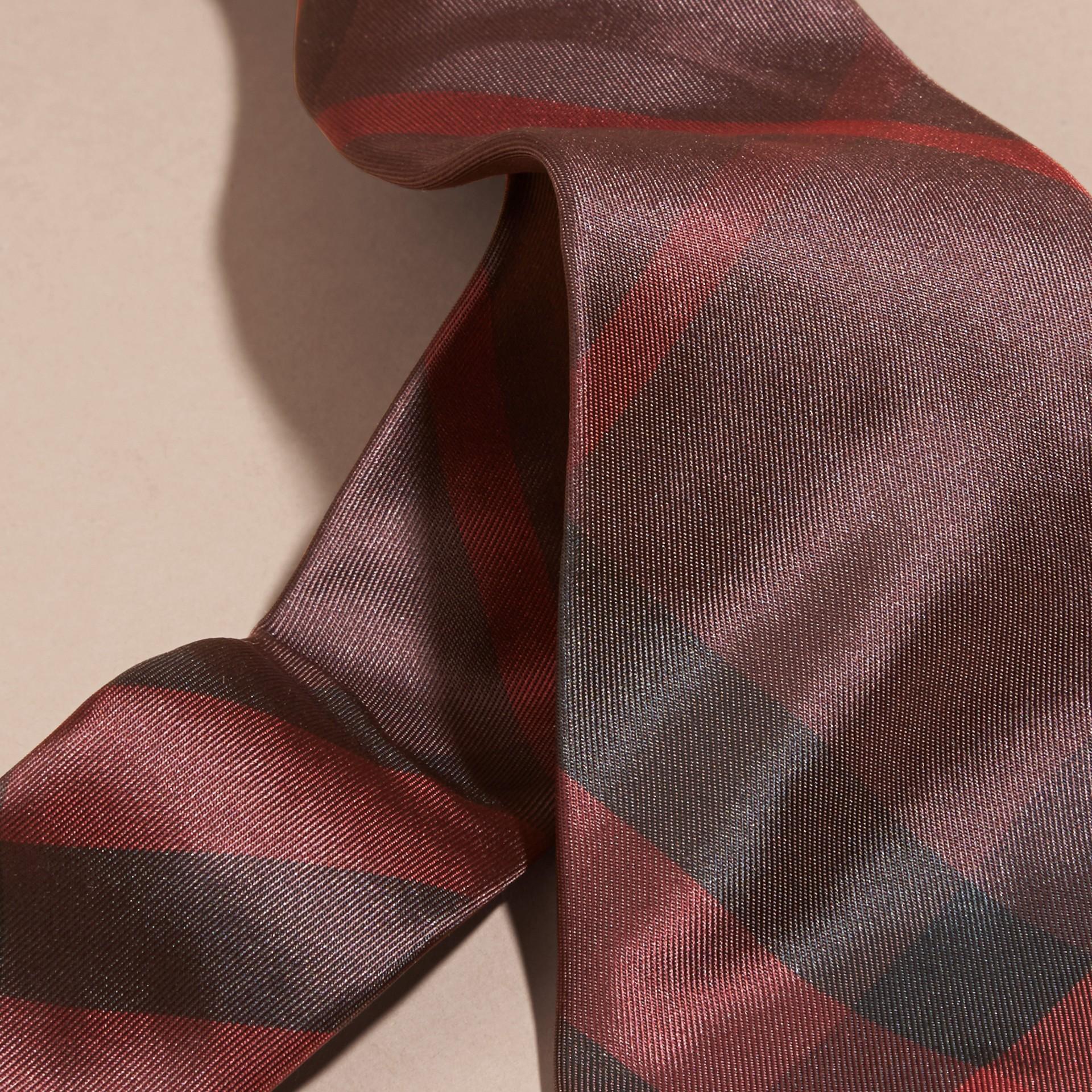 Rosso violetto intenso Cravatta dal taglio moderno in seta con motivo check Rosso Violetto Intenso - immagine della galleria 2