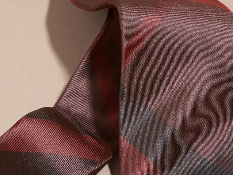 Rosso violetto intenso Cravatta dal taglio moderno in seta con motivo check Rosso Violetto Intenso - cell image 1