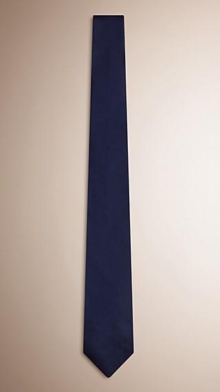 Cravate moderne en sergé de soie