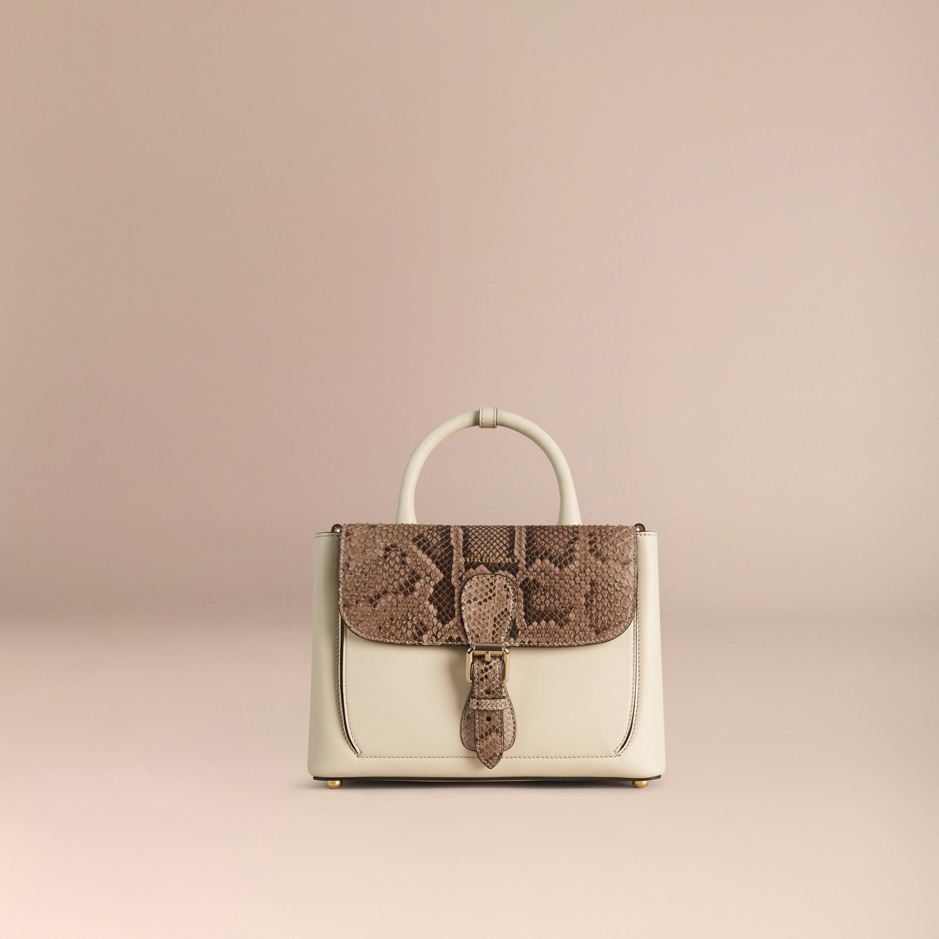 Steinfarben The Small Saddle Bag aus Glattleder und Pythonleder - Galerie-Bild 7