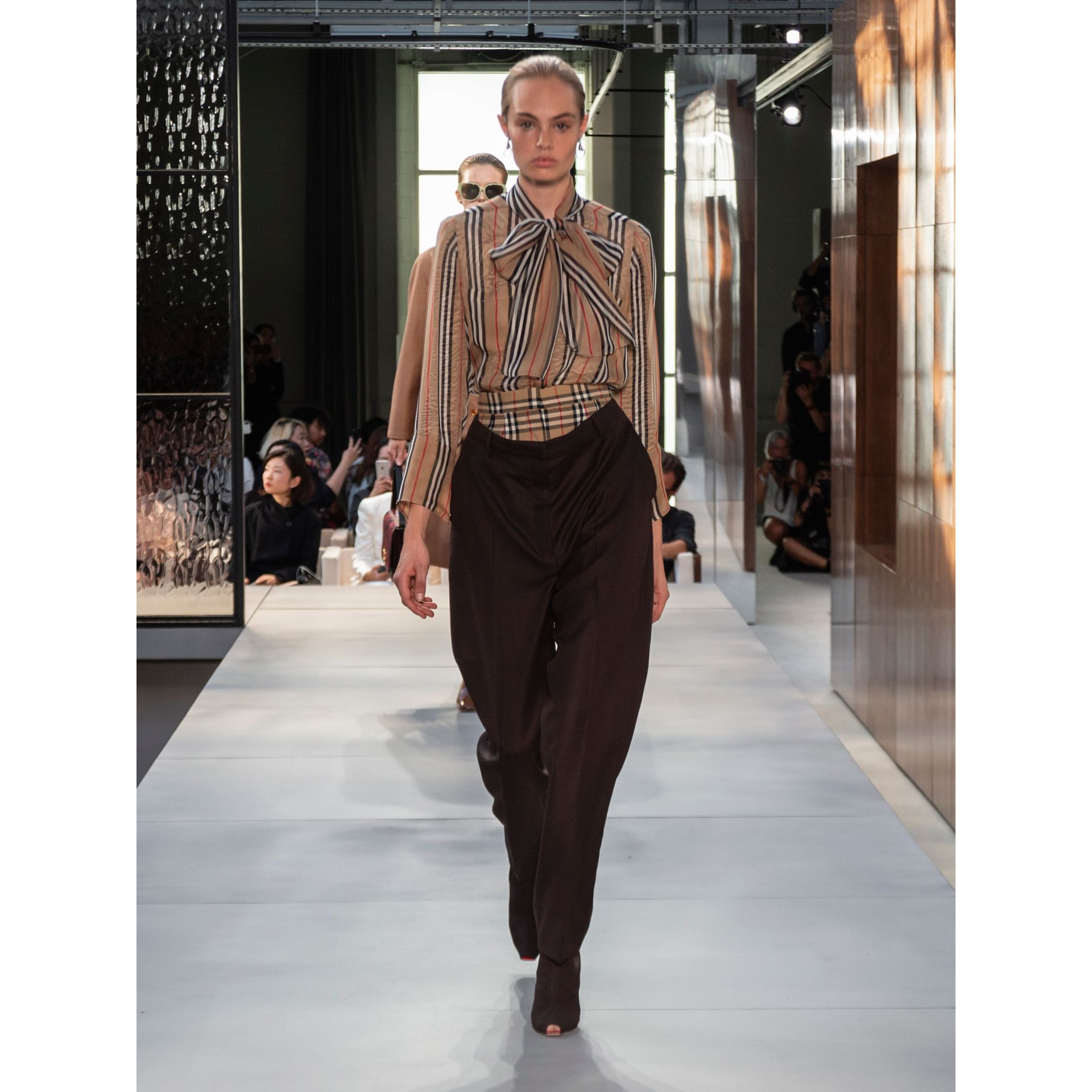 Vintage Check Panel Double-waist Wool Trousers in Black - Women | Burberry Singapore - gallery image 5