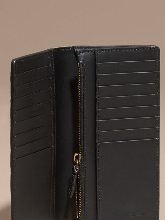 House Check and Grainy Leather Continental Wallet in Black - cell image 3