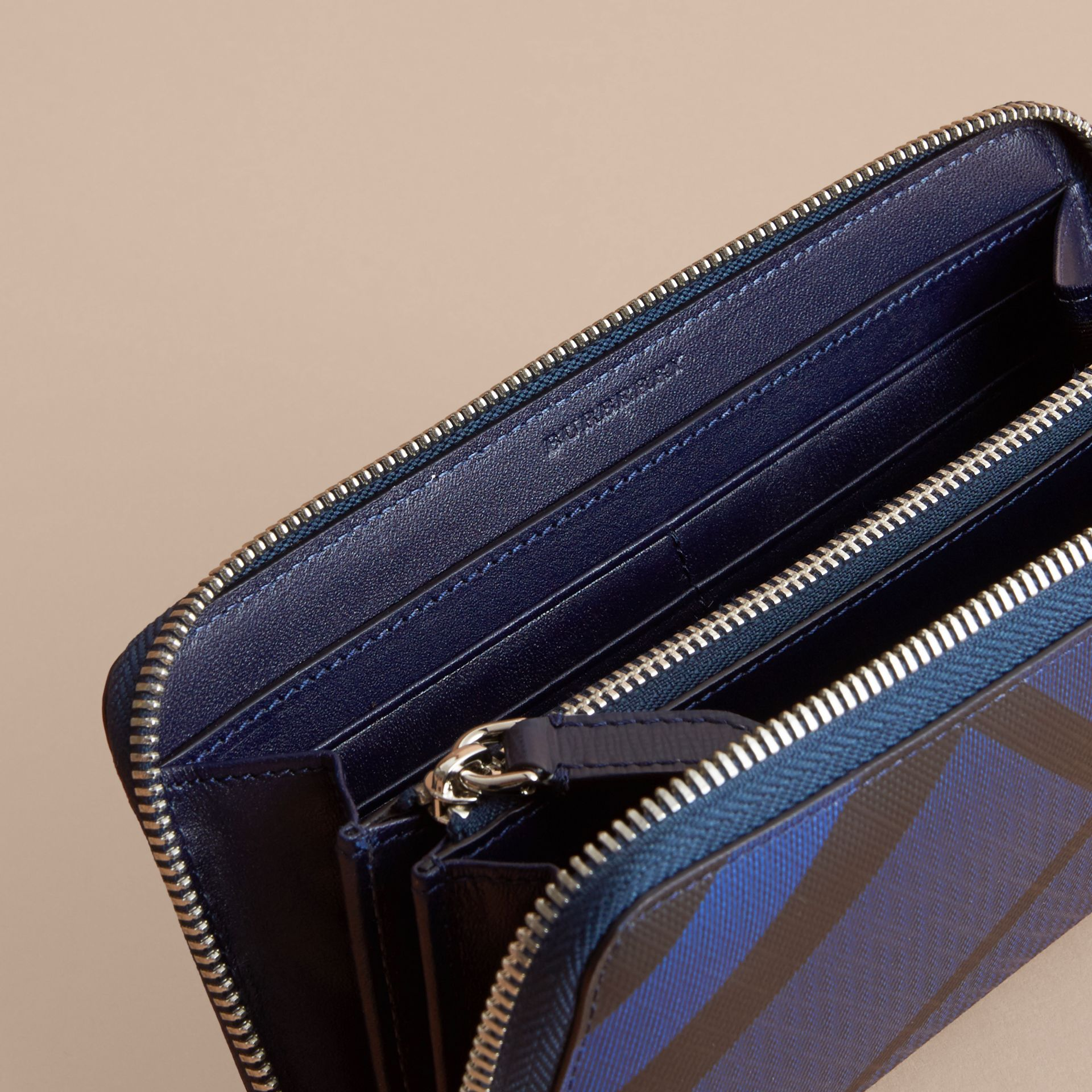 London Check Ziparound Wallet in Bright Lapis - Men | Burberry Singapore - gallery image 5