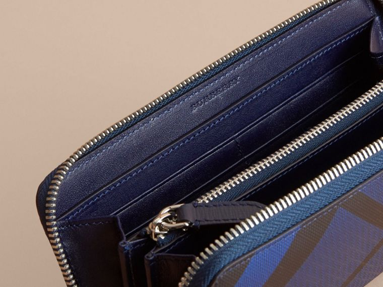 London Check Ziparound Wallet in Bright Lapis - Men | Burberry Singapore - cell image 4