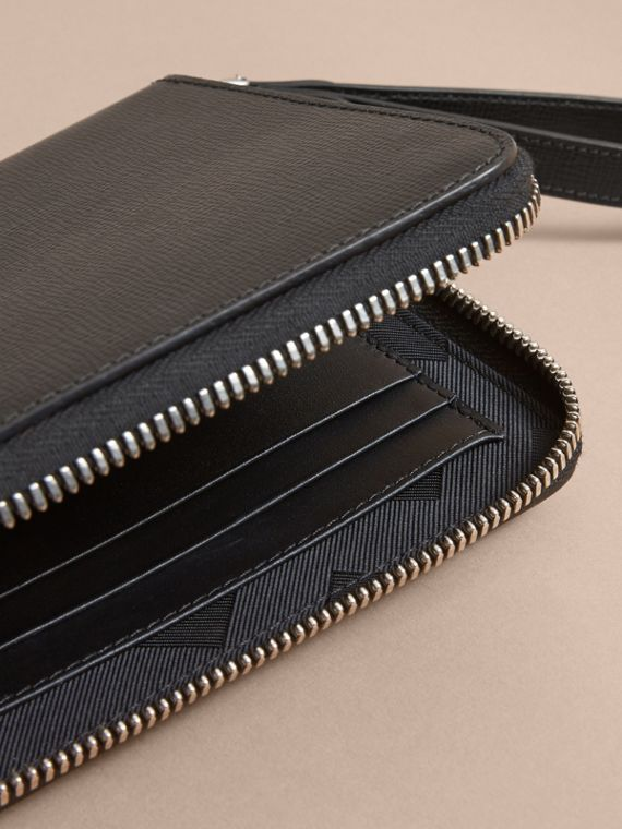 Beasts Motif Leather Travel Wallet - Men | Burberry Hong Kong - cell image 3