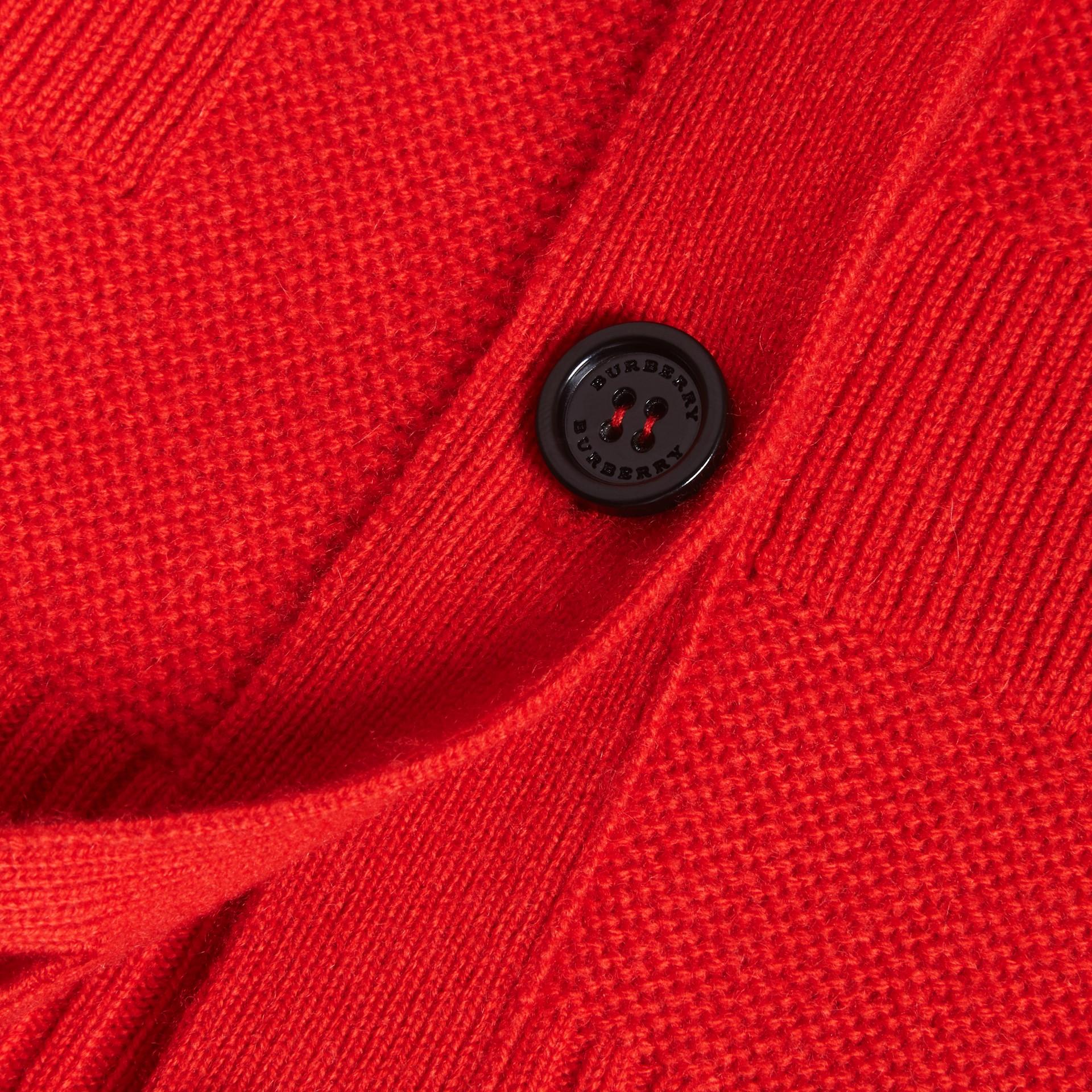 Strickcardigan aus Wolle und Kaschmir mit Check-Muster (Helles Militärrot) - Galerie-Bild 2