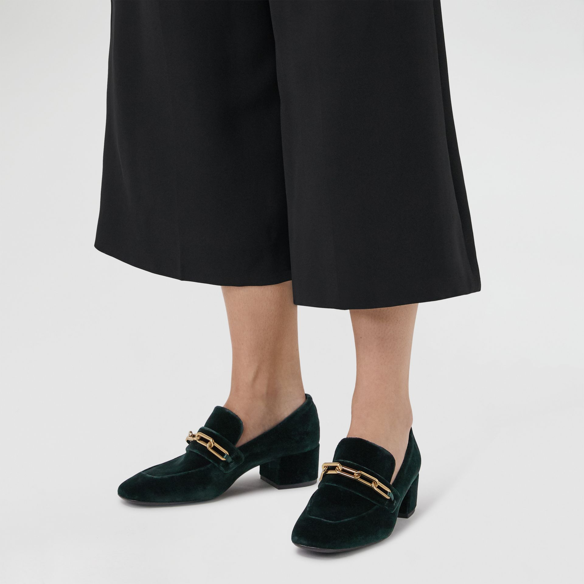 Link Detail Velvet Block-heel Loafers in Dark Forest Green - Women | Burberry United Kingdom - gallery image 2