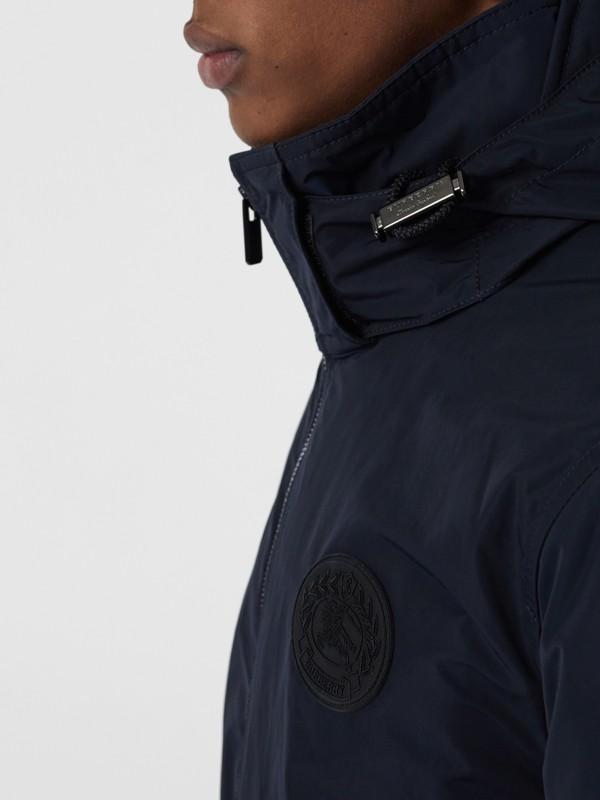 Veste en taffetas à mémoire de forme avec capuche repliable (Encre) - Homme | Burberry - cell image 3