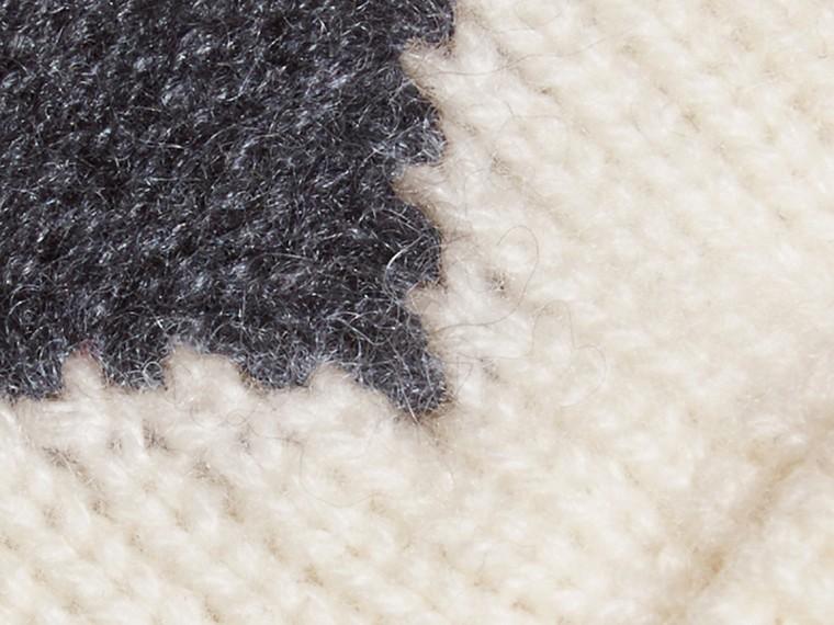 Anthracite Moufles en cachemire avec motif à cœur en intarsia Anthracite - cell image 1