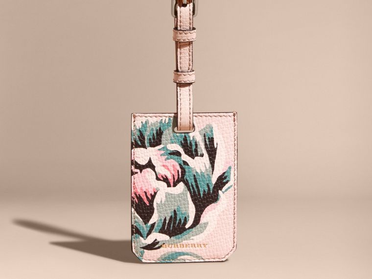 Peony Rose Print Grainy Leather Luggage Tag in Natural / Emerald Green | Burberry - cell image 4