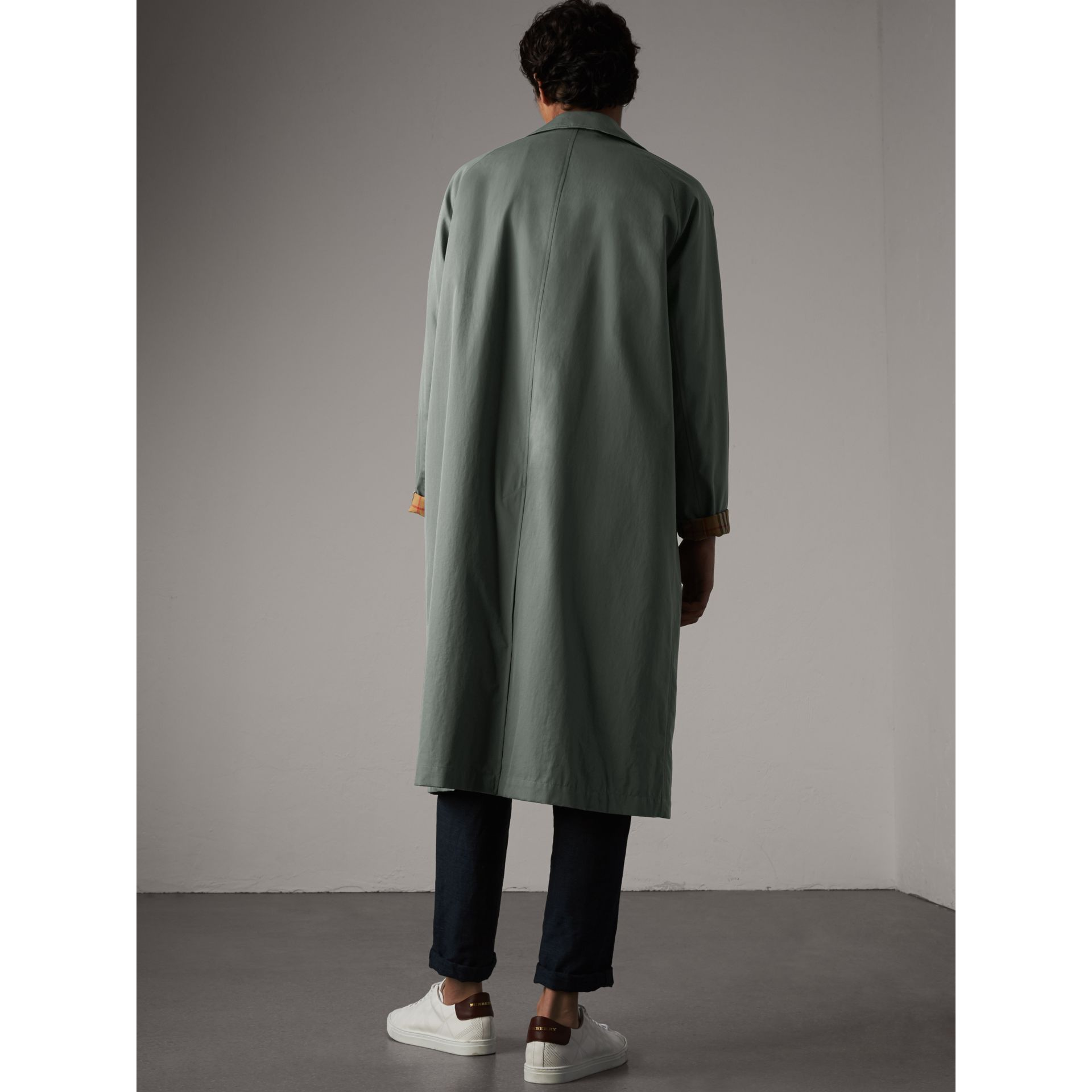 Car Coat The Brighton (Bleu Cendré) - Homme | Burberry - photo de la galerie 2
