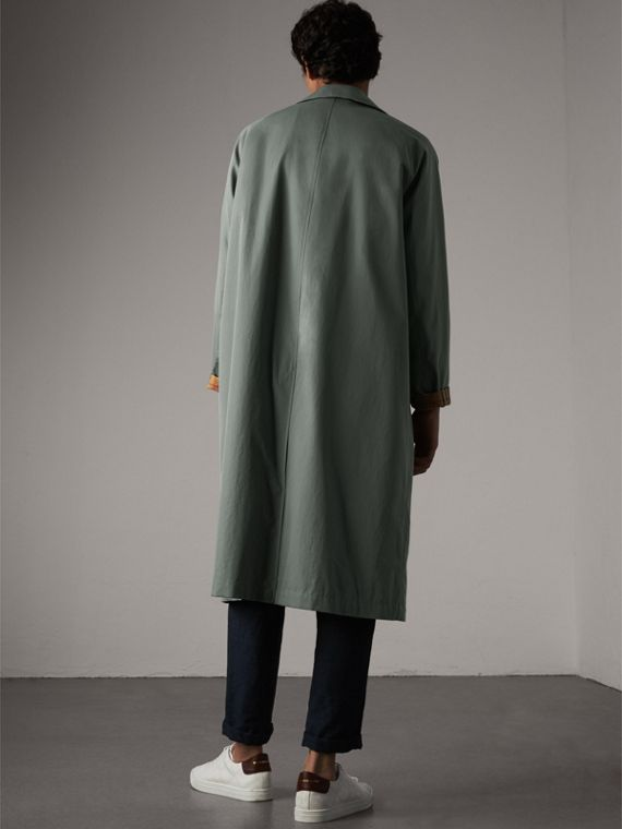 The Brighton – Extra-long Car Coat in Dusty Blue - Men | Burberry - cell image 2
