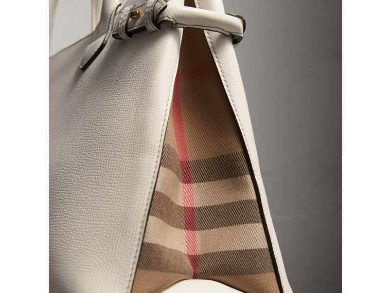 The Banner House 格紋皮革中型包 (自然色) - 女款 | Burberry - cell image 1