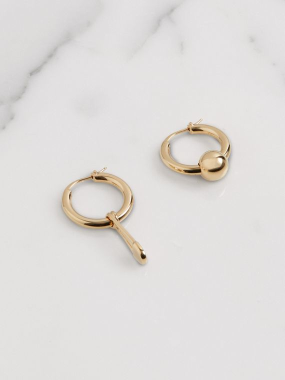 Kilt Pin and Charm Gold-plated Hoop Earrings in Light
