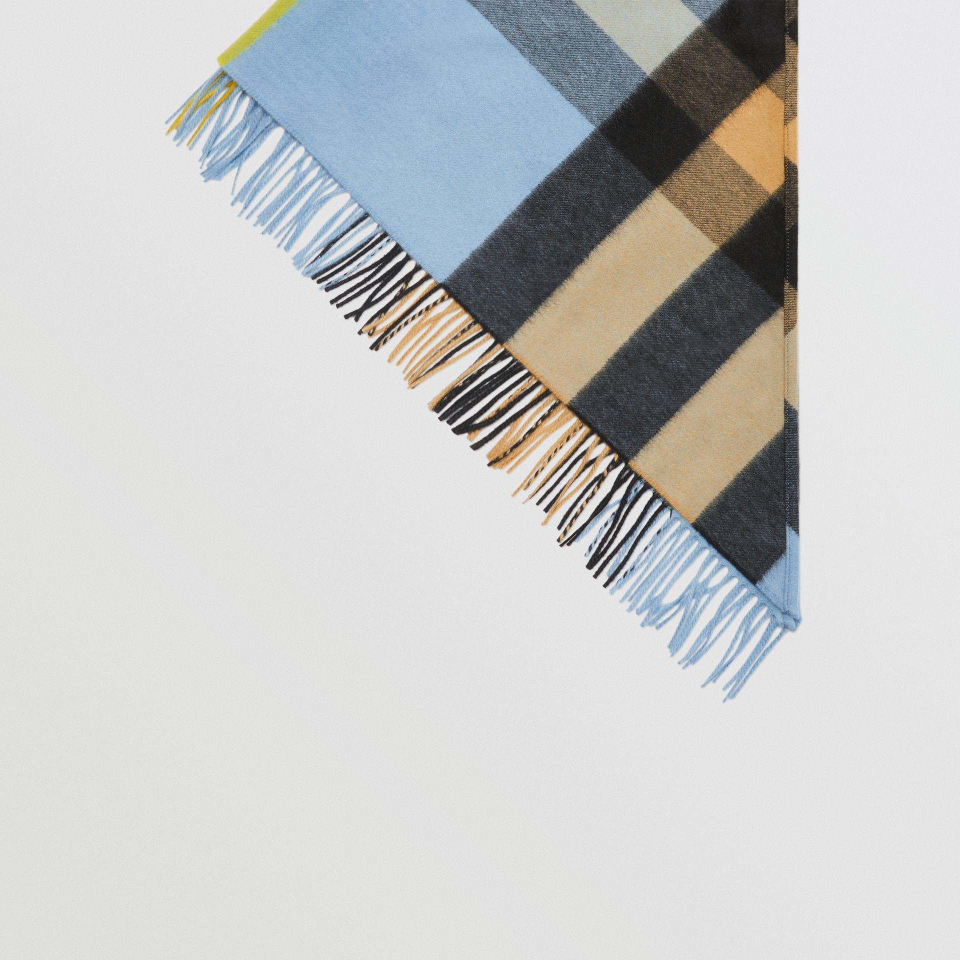 The Burberry Bandana in Check Cashmere in Pale Carbon Blue | Burberry United Kingdom - gallery image 4