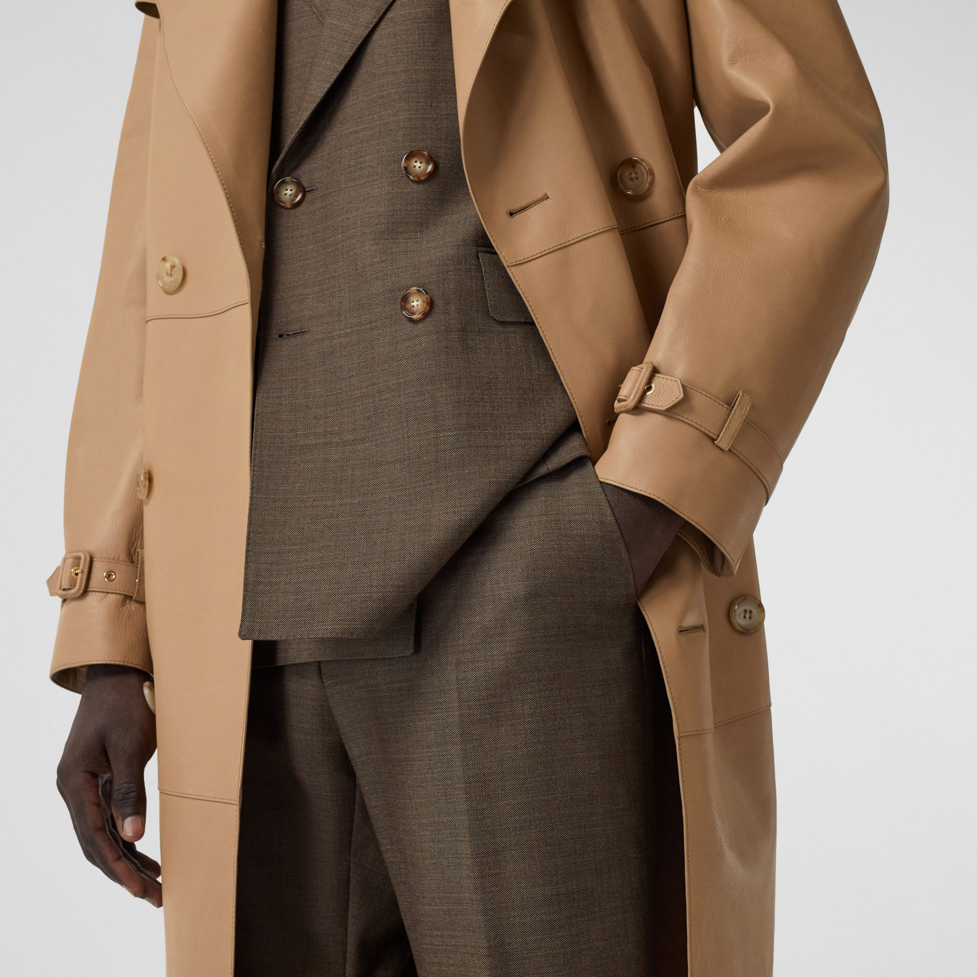 Plonge Leather Trench Coat in Camel - Men | Burberry - gallery image 6