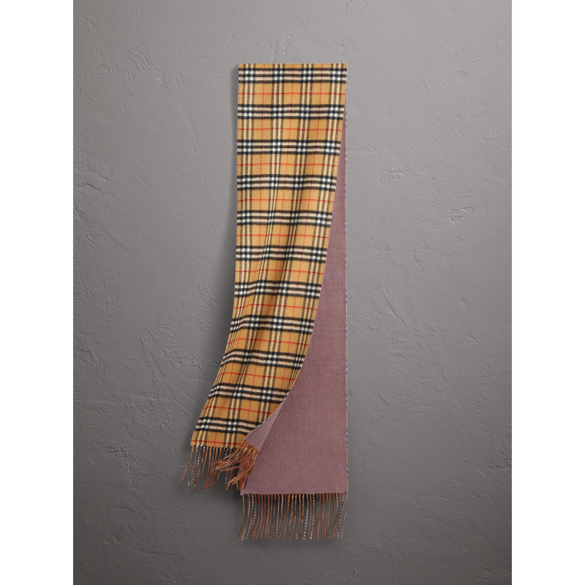 Long Reversible Vintage Check Double-faced Cashmere Scarf in Lilac Grey | Burberry United States - gallery image 1