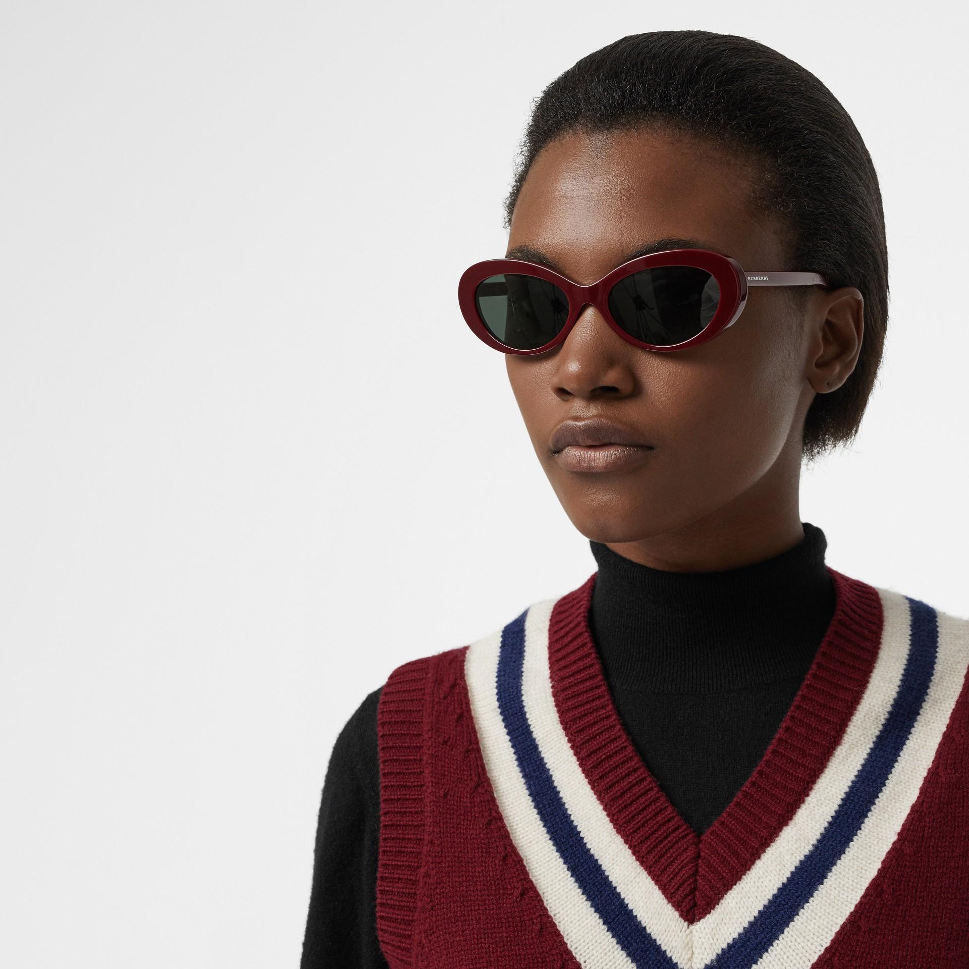Cat-Eye-Sonnenbrille (Burgunderrot) - Damen | Burberry - Galerie-Bild 2