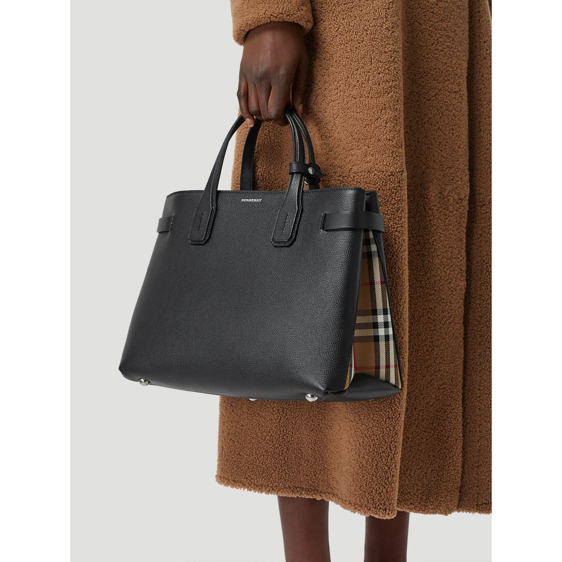 The Medium Banner in Leather and Vintage Check in Black - Women | Burberry - gallery image 3