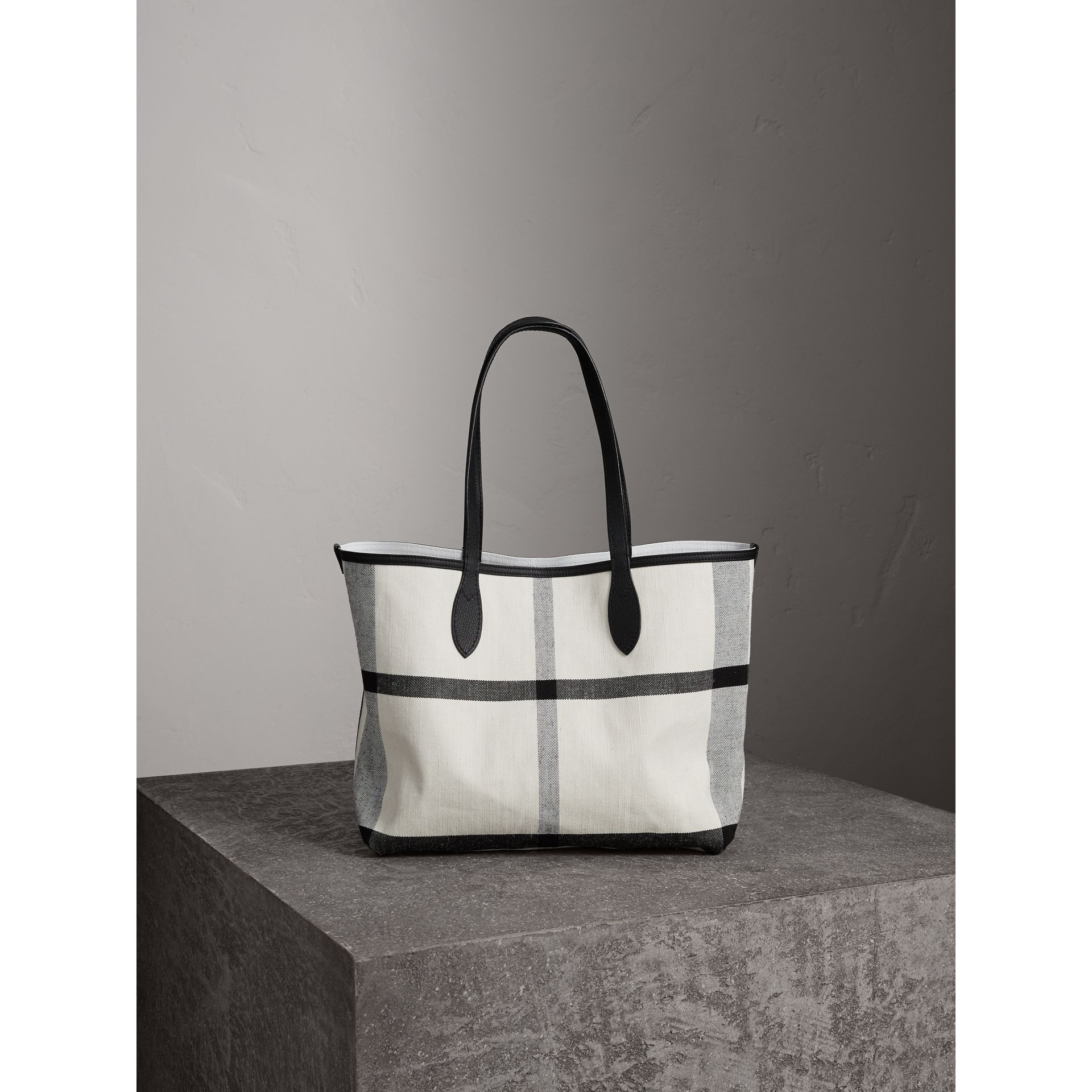 The Medium Reversible Doodle Tote in White/black - Women | Burberry - gallery image 5