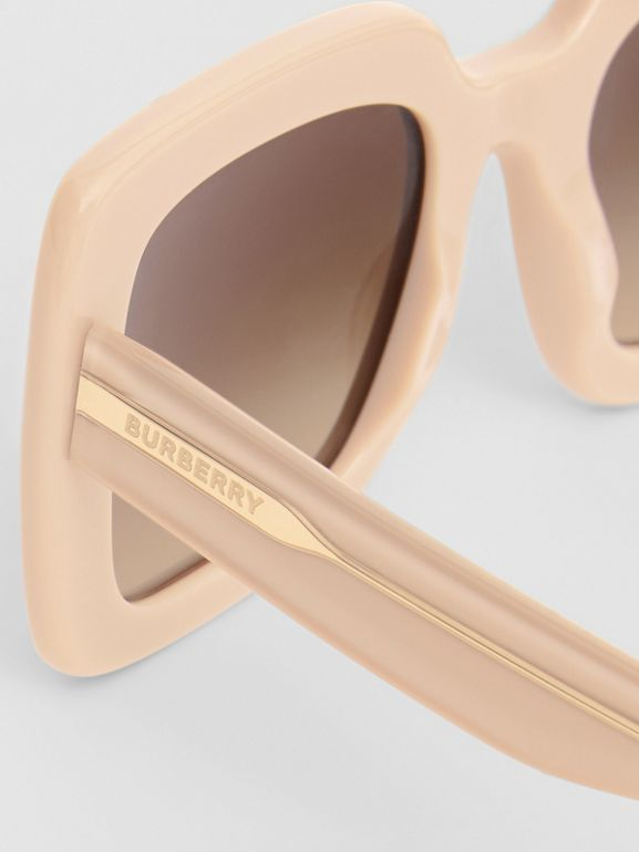 Oversized Square Frame Sunglasses in Honey - Women | Burberry Hong Kong - cell image 1
