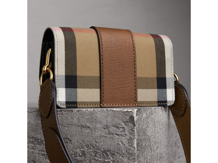 Borsa The Buckle piccola con motivo House check e pelle (Marroncino) - Donna | Burberry - cell image 4