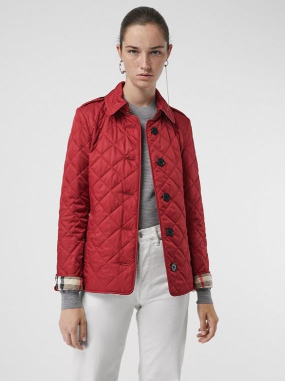 Jaqueta em matelassê (Vermelho Paixão)