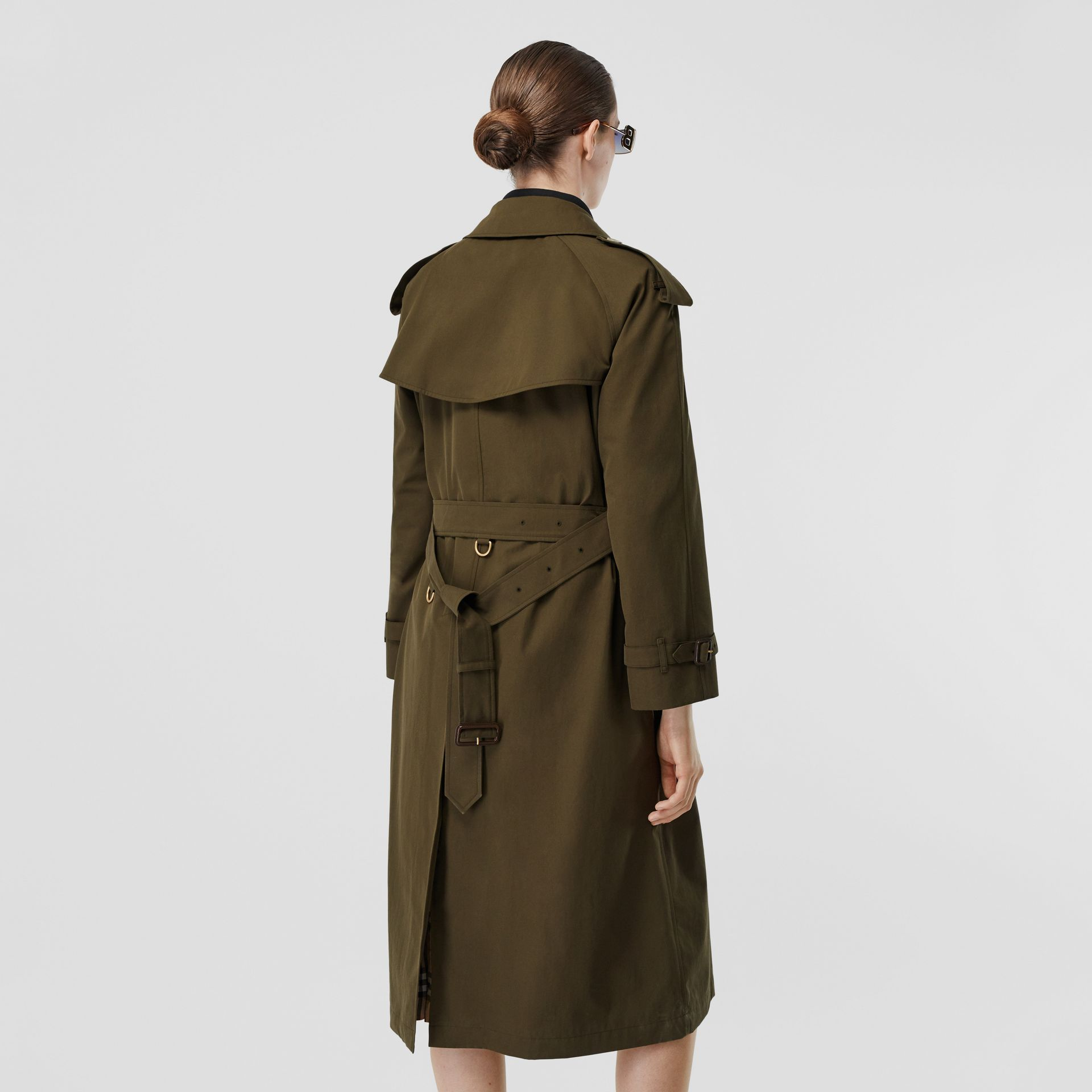 The Long Westminster Heritage Trench Coat in Dark Military Khaki - Women | Burberry - gallery image 2