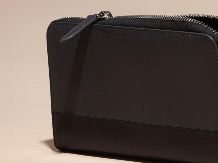 炭灰色/黑色 拼色 London 皮革環繞式拉鍊皮夾 炭灰色/黑色 - cell image 1