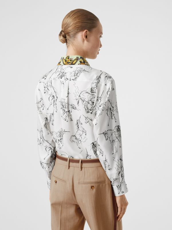 Camisa en sarga de seda con estampado de gorilas y unicornios (Blanco / Negro) - Mujer | Burberry - cell image 2