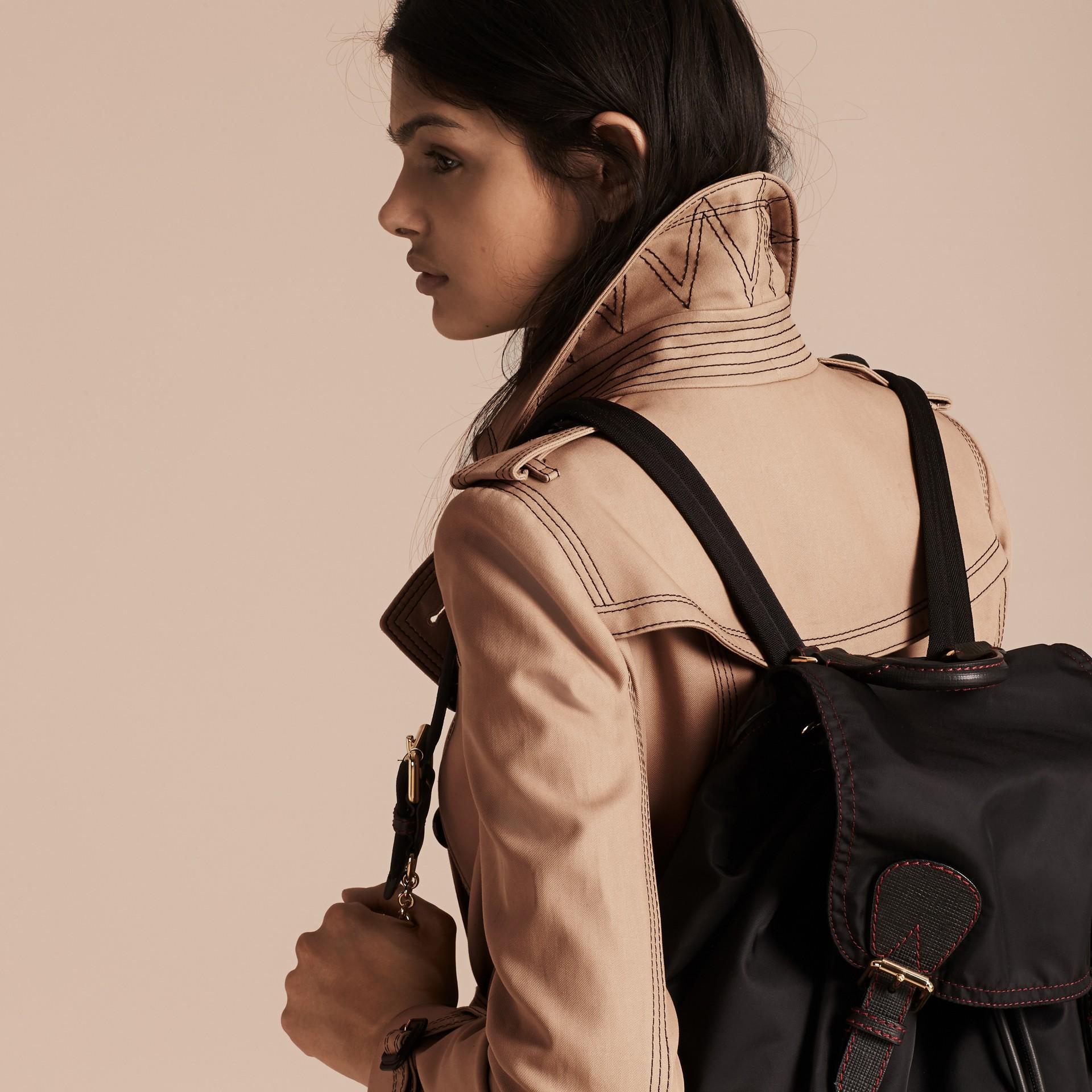Miel Trench-coat ajusté en coton avec surpiqûres - photo de la galerie 6