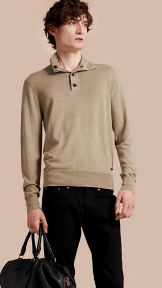 Suéter de seda e cashmere com gola rolê