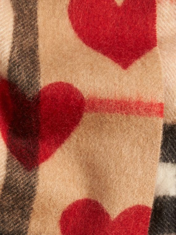 Parade red The Mini Classic Cashmere Scarf in Check and Hearts Parade Red - cell image 3