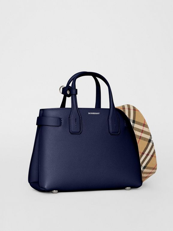 The Banner piccola in pelle con dettagli Vintage check (Blu Reggenza) - Donna | Burberry - cell image 1