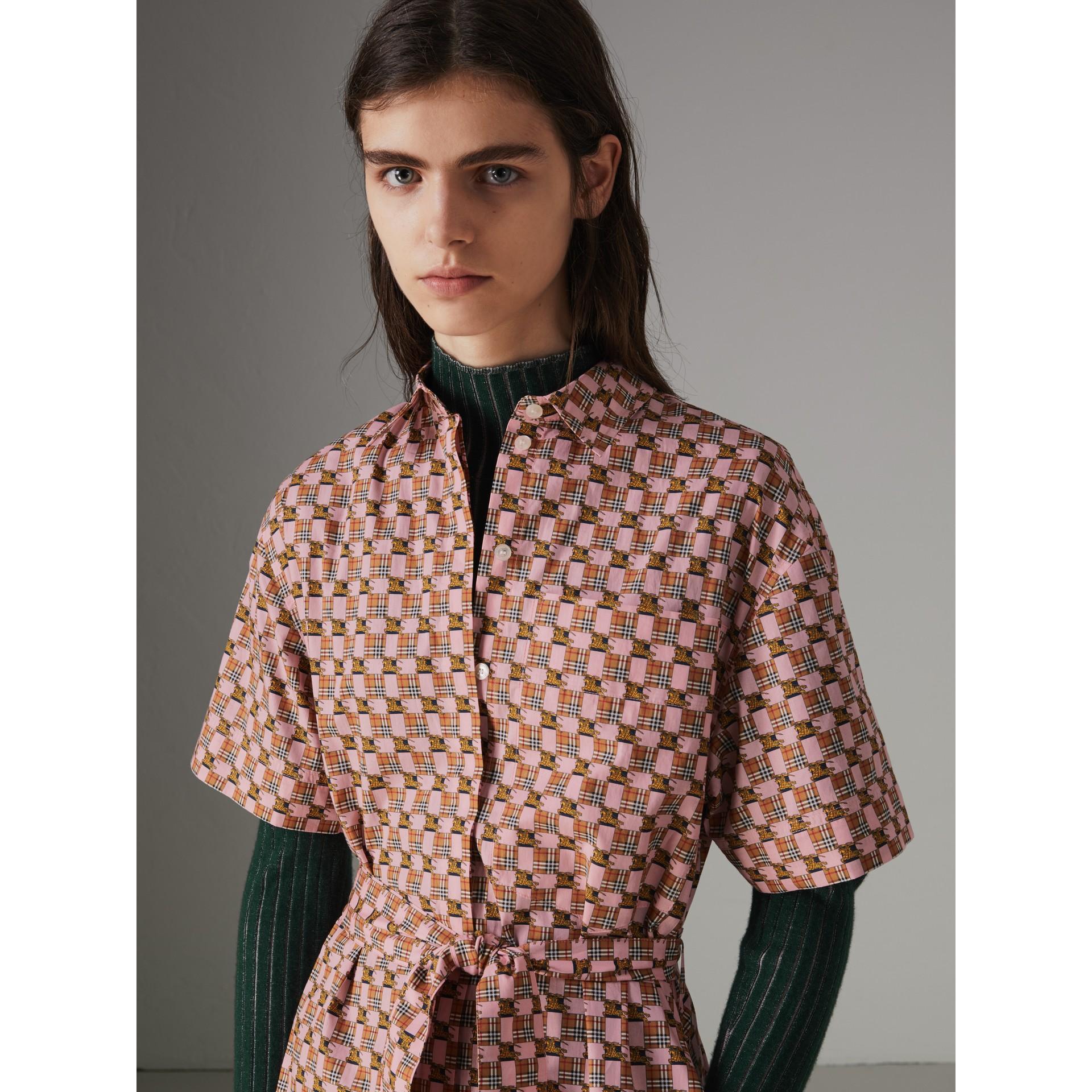 Платье-рубашка с мозаичным принтом (Розовый) - Для женщин | Burberry - изображение 1