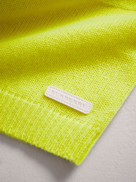 Cashmere Three-piece Baby Gift Set in Neon Yellow | Burberry - cell image 1