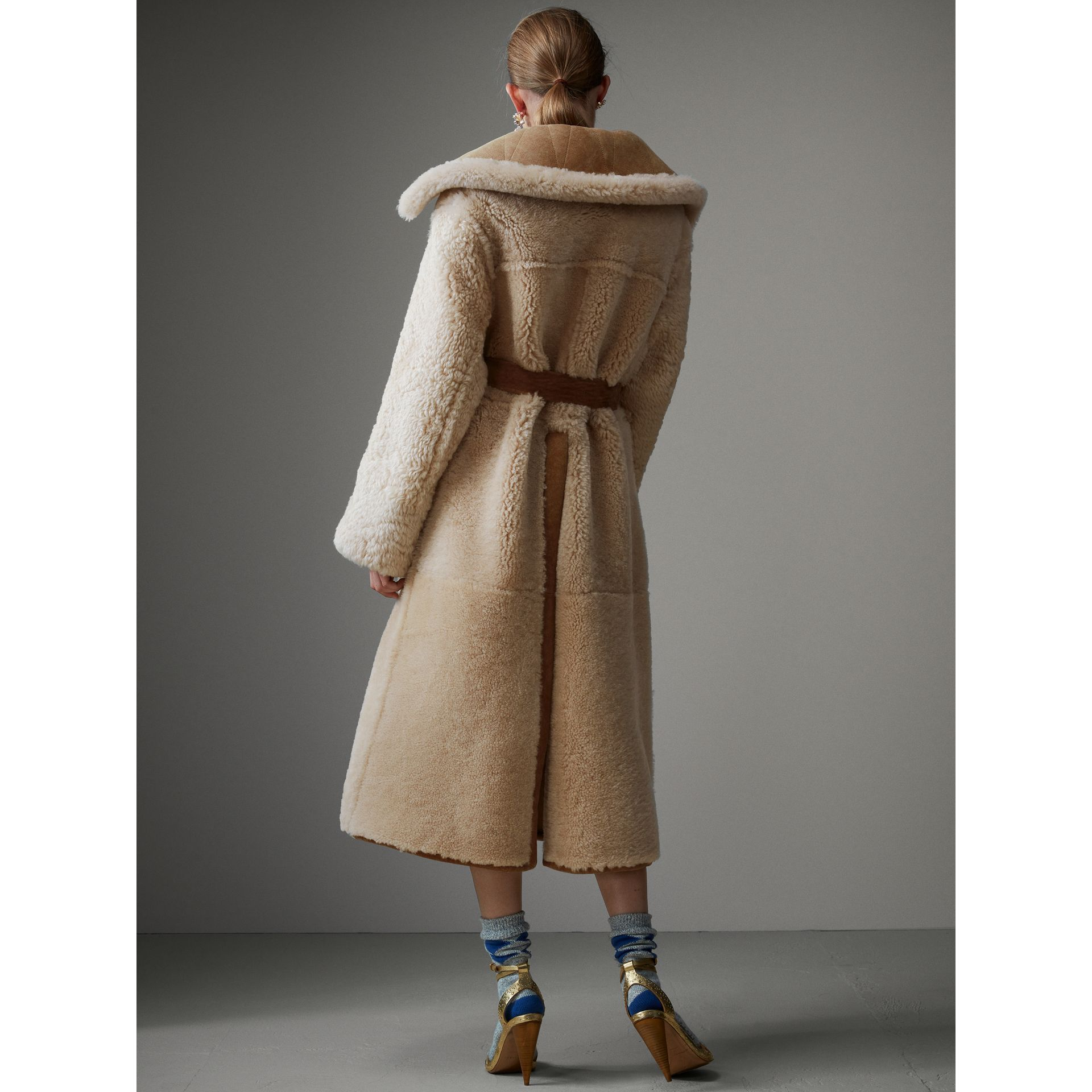 Shearling Oversized Belted Coat in Camel/off White - Women | Burberry Singapore - gallery image 3