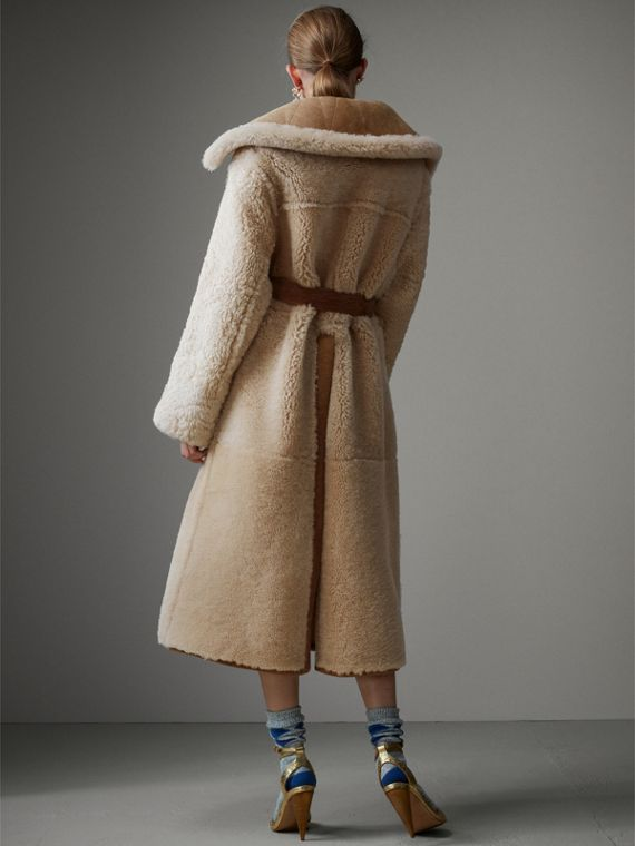 Shearling Oversized Belted Coat in Camel/off White - Women | Burberry Singapore - cell image 2