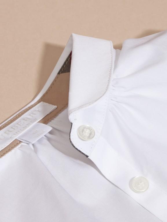 Camisa en algodón elástico con cuello Peter Pan (Blanco) | Burberry - cell image 1