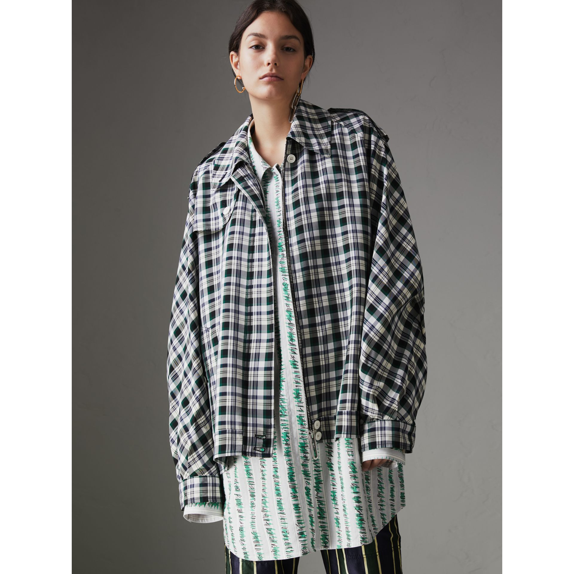 Check Oversized Harrington Jacket in Dark Forest Green - Women | Burberry Singapore - gallery image 4