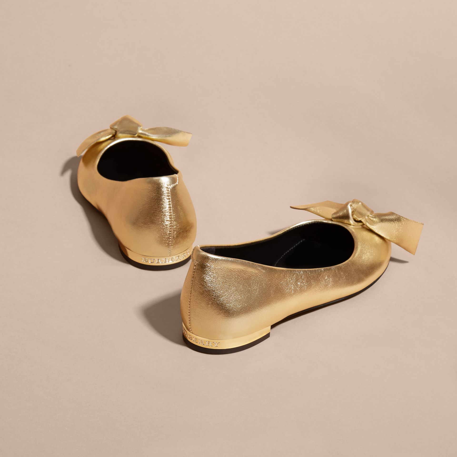 Bow Detail Metallic Leather Ballerinas Platinum - gallery image 4
