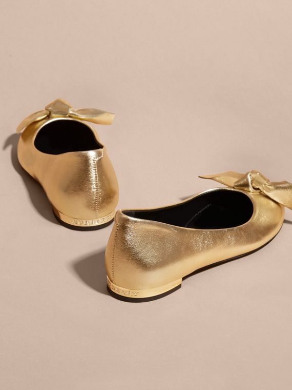 Bow Detail Metallic Leather Ballerinas Platinum - cell image 3