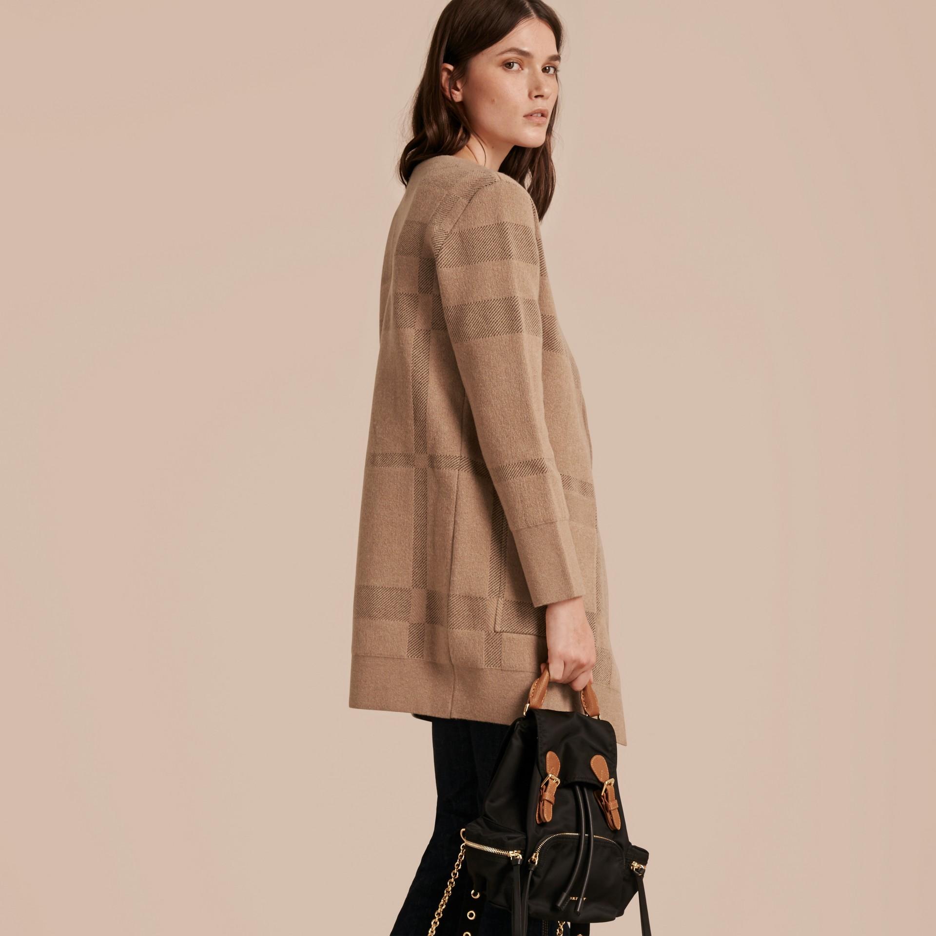 Miel Veste en maille de laine et cachemire à motif check - photo de la galerie 3