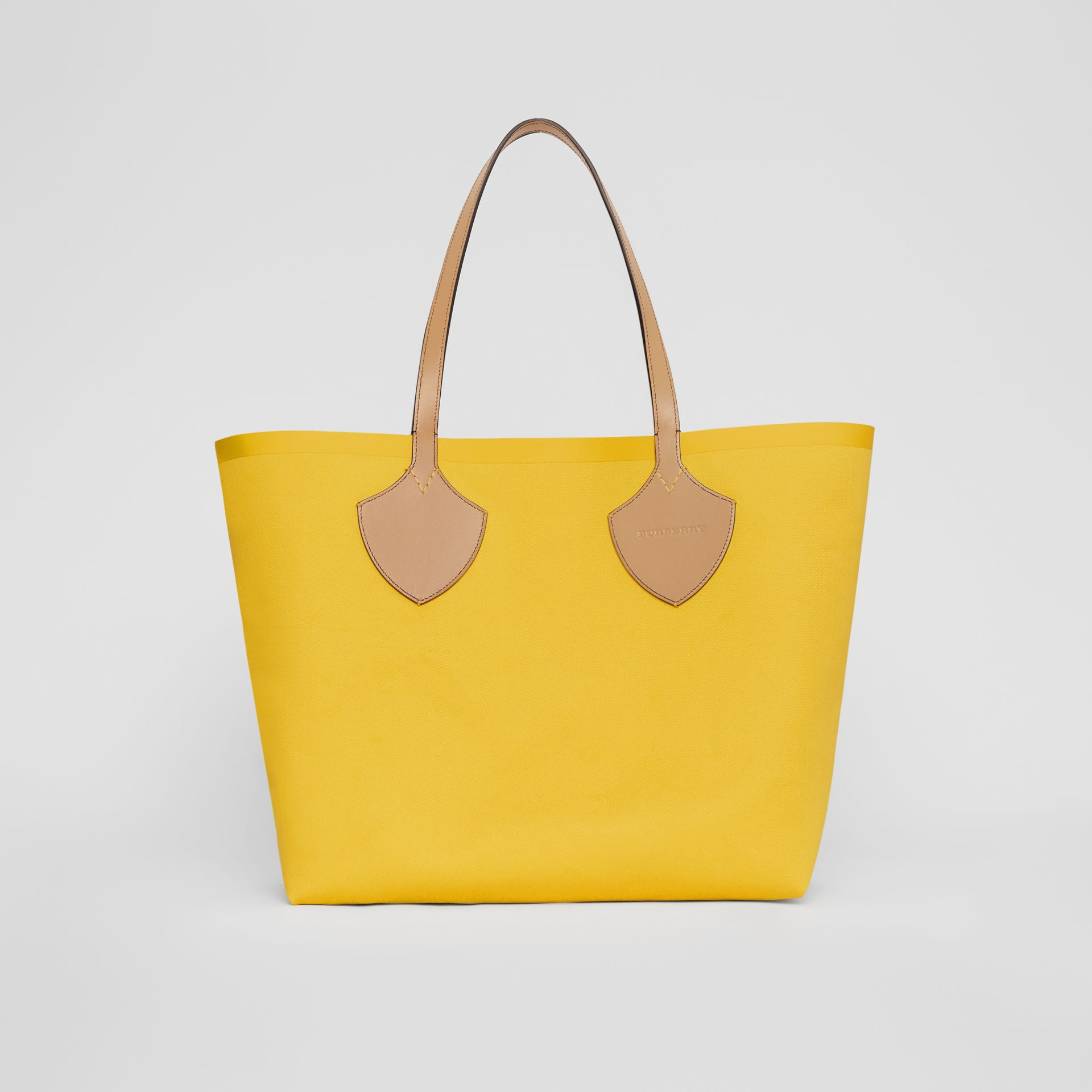 The Large Giant Tote in Colour Block Check in Antique Yellow/golden Yellow | Burberry - gallery image 7