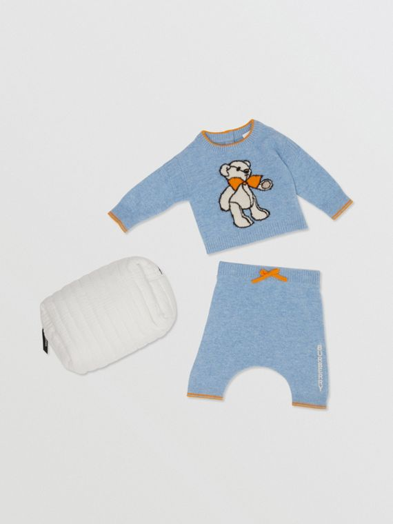 Bear Intarsia Wool Cashmere Two-piece Baby Gift Set in Pale Blue